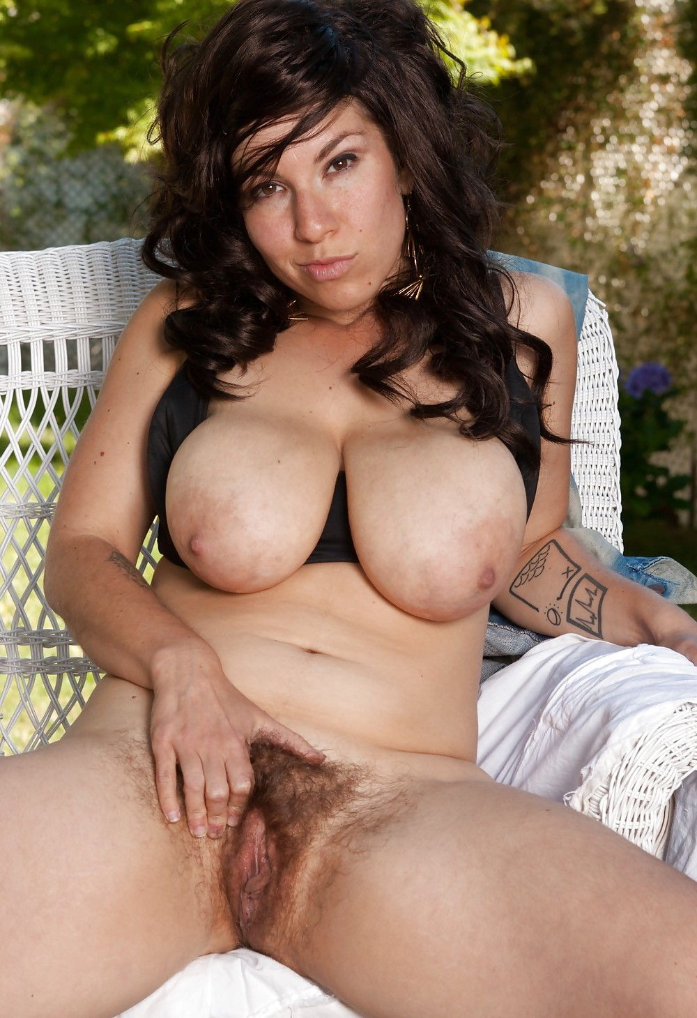 Huge Tits Hairy Pussy Fuck