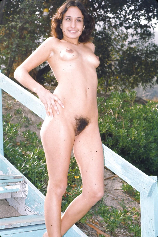 Chatte naturist