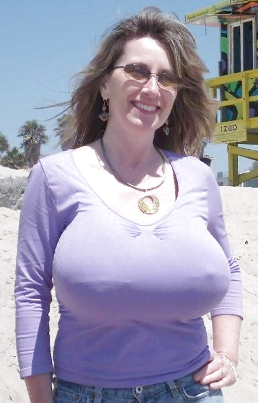 Men Choose Intelligent Women Over Ones With Big Breasts