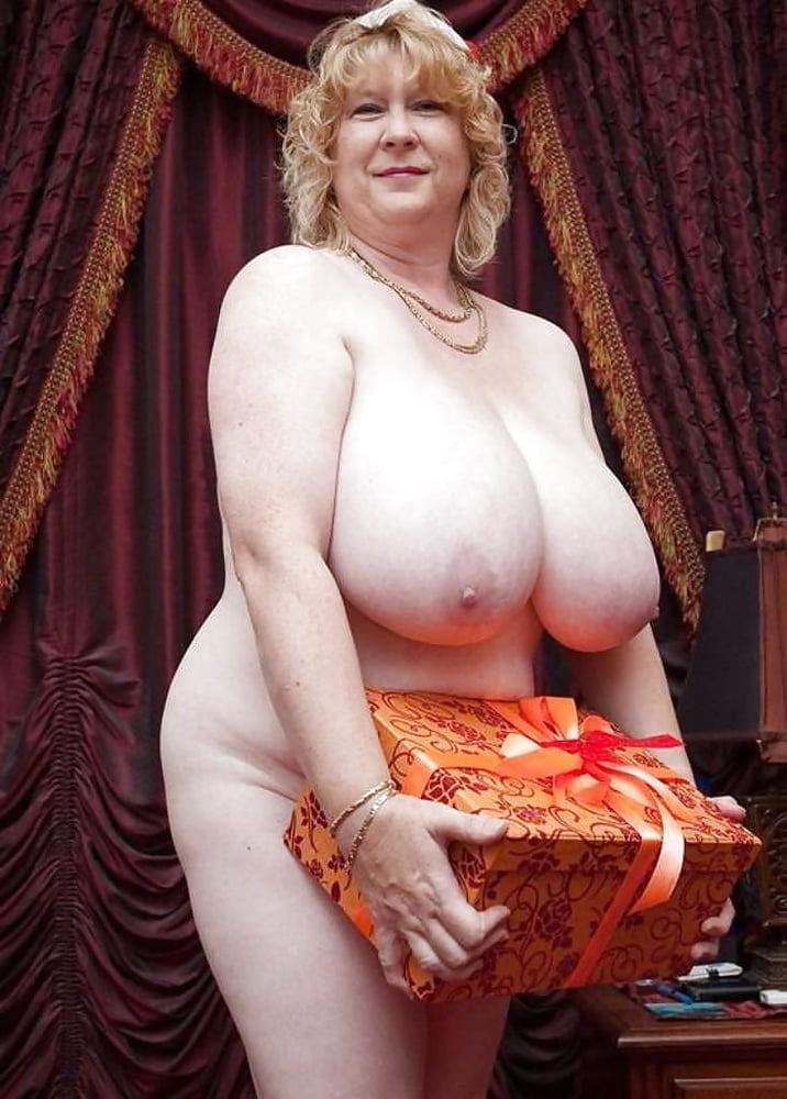 Slow extrem granny with huge boobs celebrity porn pictures