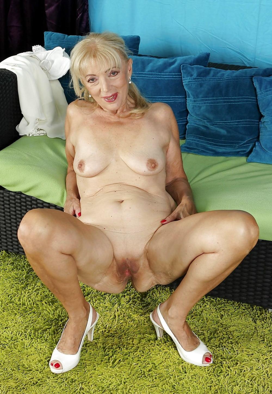nude-flexible-grannies