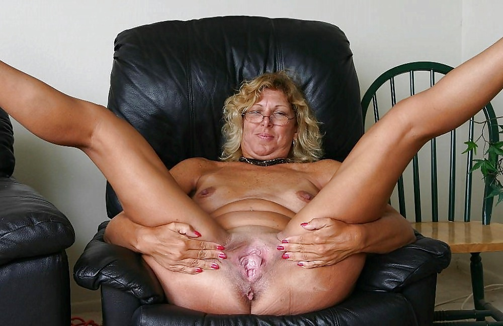 large-older-woman-pussy-stretching-topless