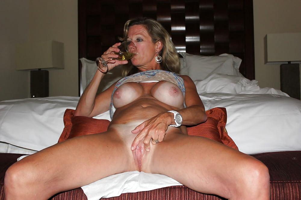 Horny mature women xxx-4679