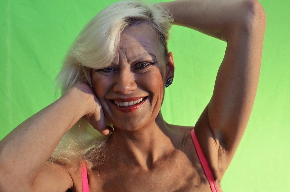 Sybille:abgenutzte und verbrauchte Hure!Und immer noch GEIL