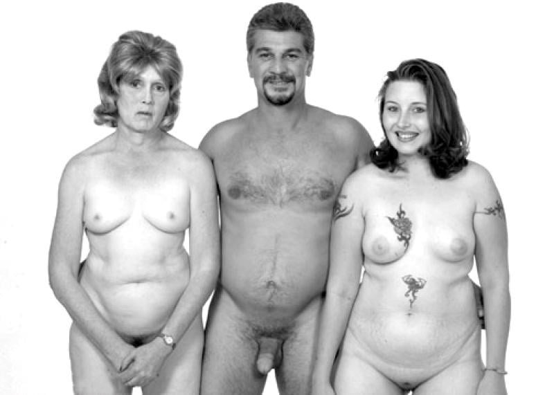 German Doctors Pose Naked In Protest