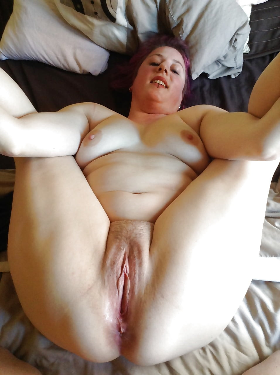 Pale plump wide open wife pussy, homemade cumshot collection