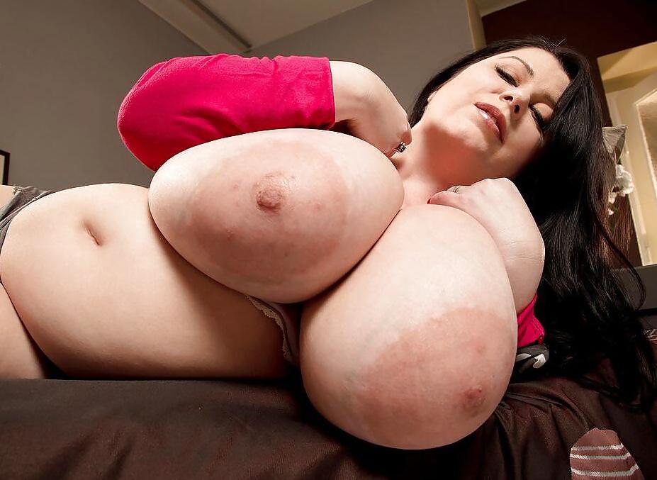 Mya Blair Tapping The Hottie