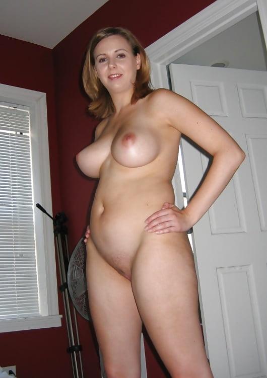 Hotwife Nude
