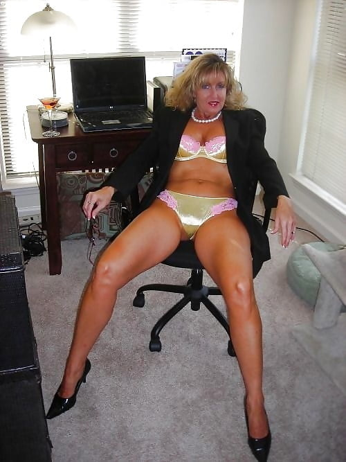 Mature women in satin-6065