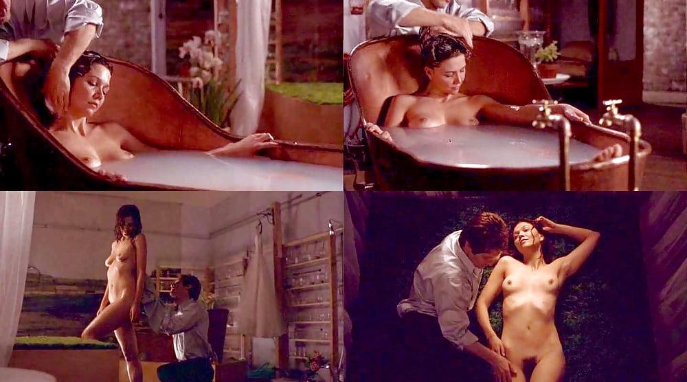 Maggie gyllenhaal naked movie scenes