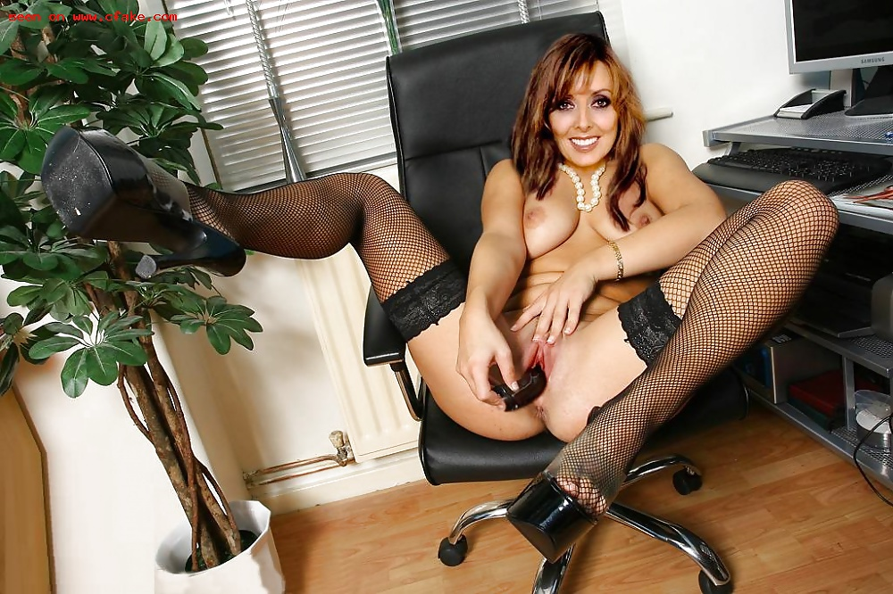 carol-vorderman-porn-pictures-amateur-wives-in-the-uk