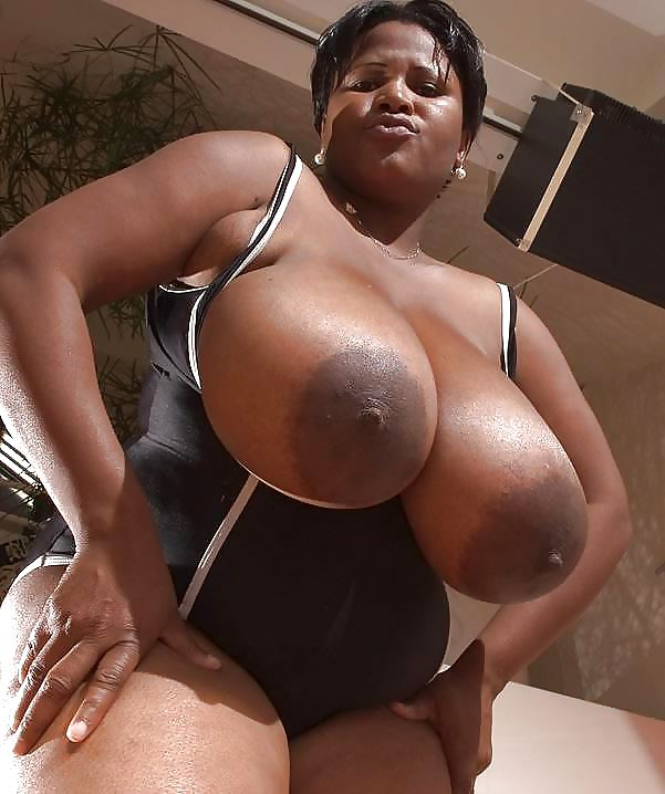 nude-negro-big-boobs-xxx-offense-shower