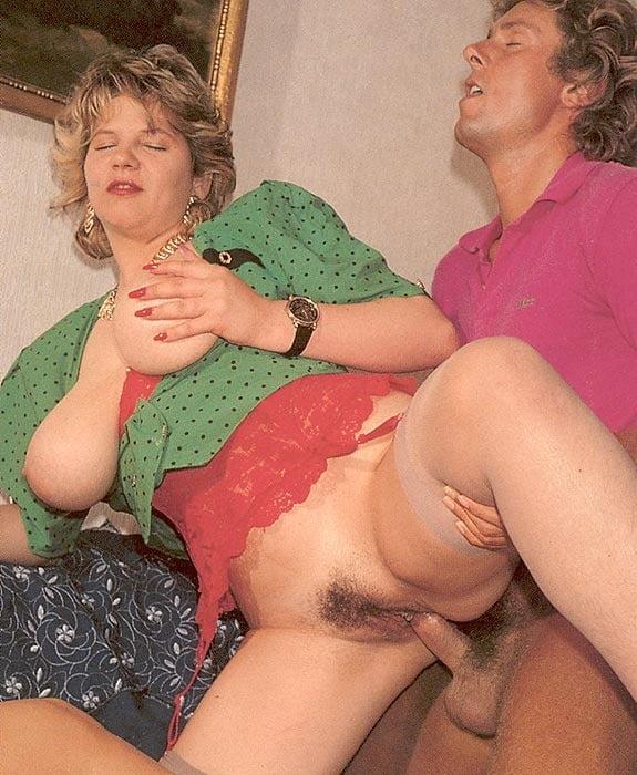 Erotic Pix Chubby girls with vibrators