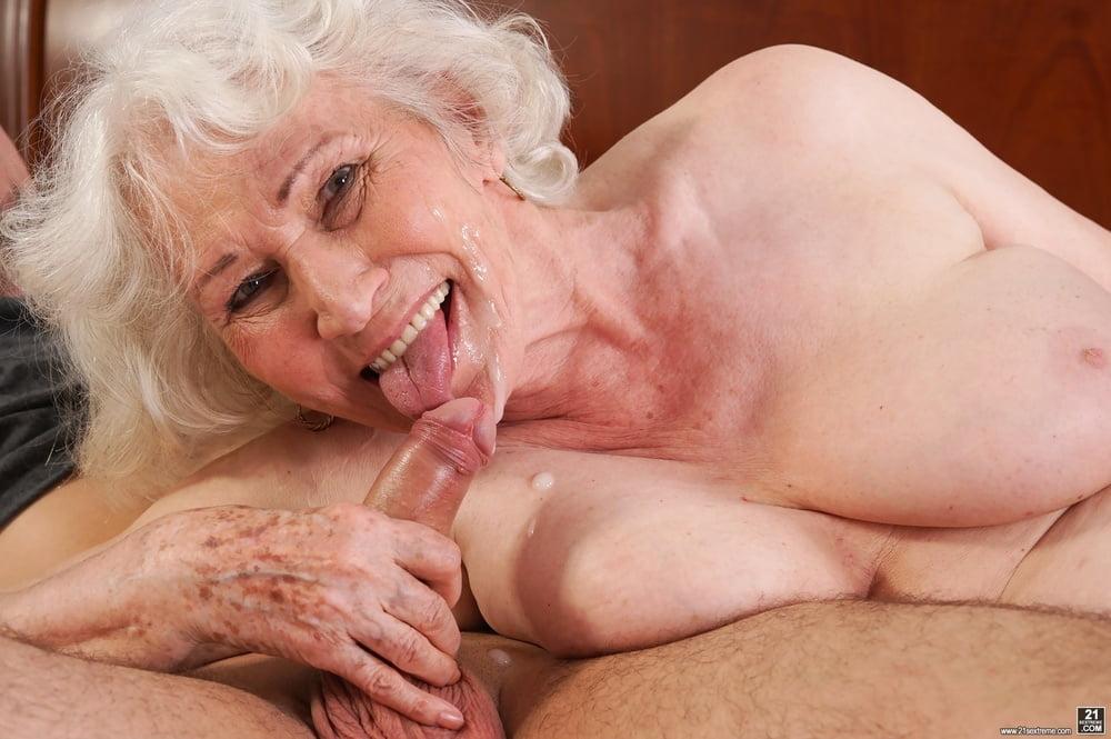 seks-so-starushkami-na-chto-oni-sposobni-porno-film-dikoe-otrode-smotret-onlayn