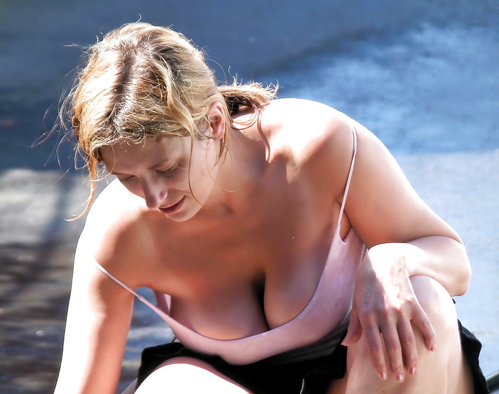 Girls nude caught changing