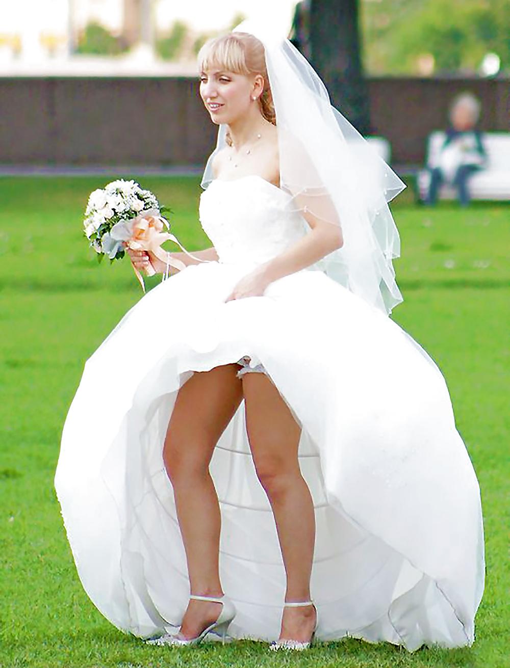 рука под юбкой у невесты