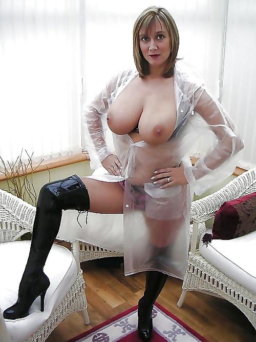 Mature british stepmother creampie