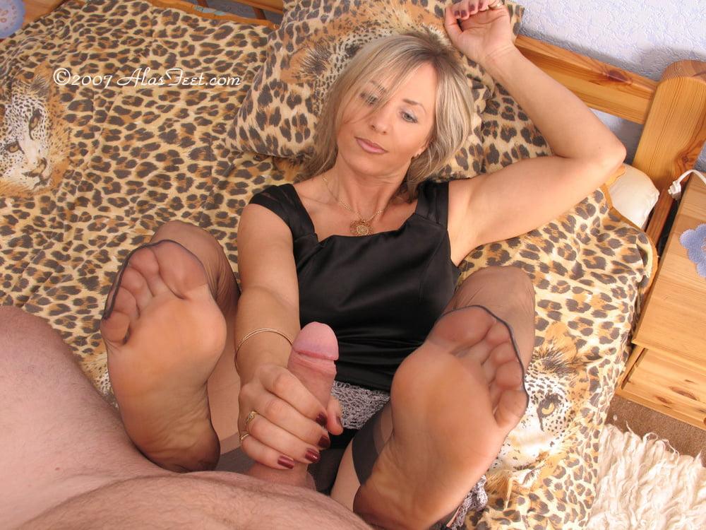 Foot fetish, job sex tips, stories, advice
