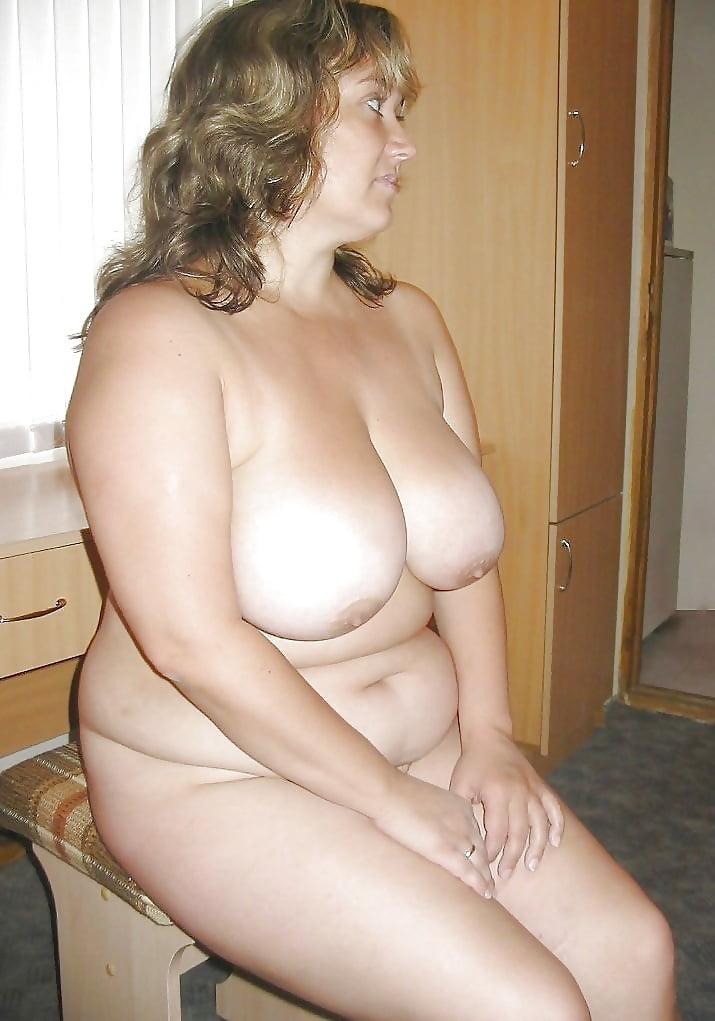 Домашняя подборка пышных голых баб — pic 6