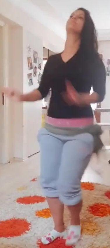 Sexy arab dance porn-8902