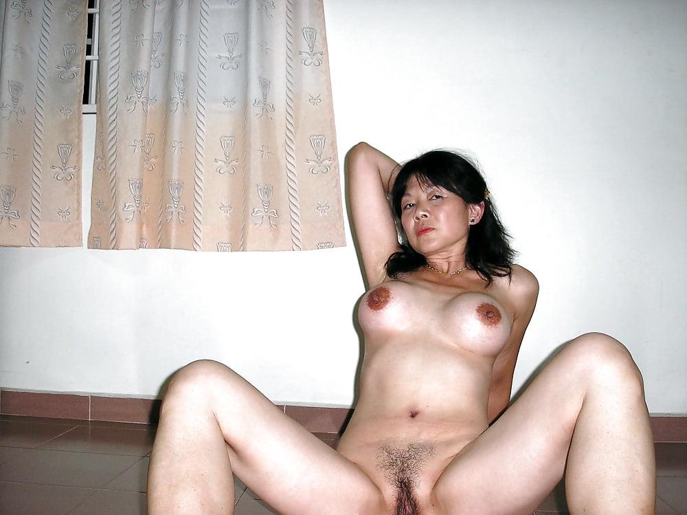 Старая бурятка порно, видео женщина мокрая и видны ее сиськи