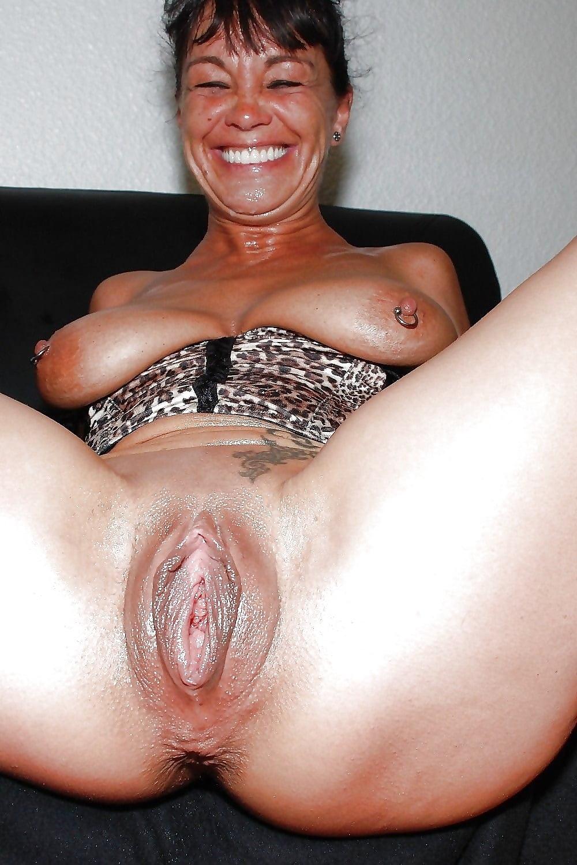 она гигантская пизда зрелой бабы порно знак