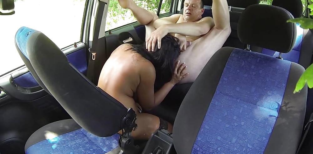 vodila-trahaet-prostitutku
