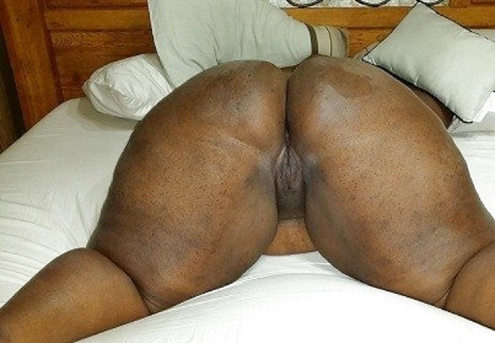 Free black lesbian grinding