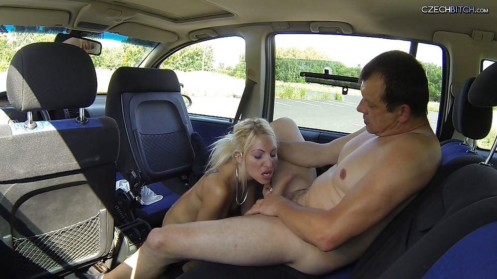 seksom-porno-snyal-prostitutku-i-trahnul-v-mashine-shlyuhi-rot-sperme