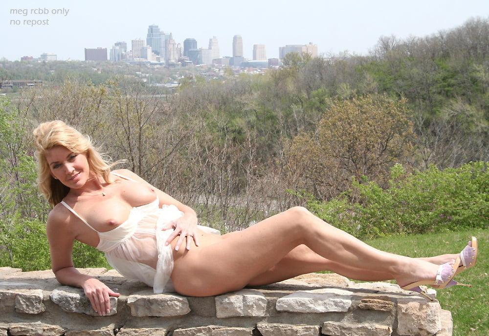 Meg Exhibitionist Nude Wife