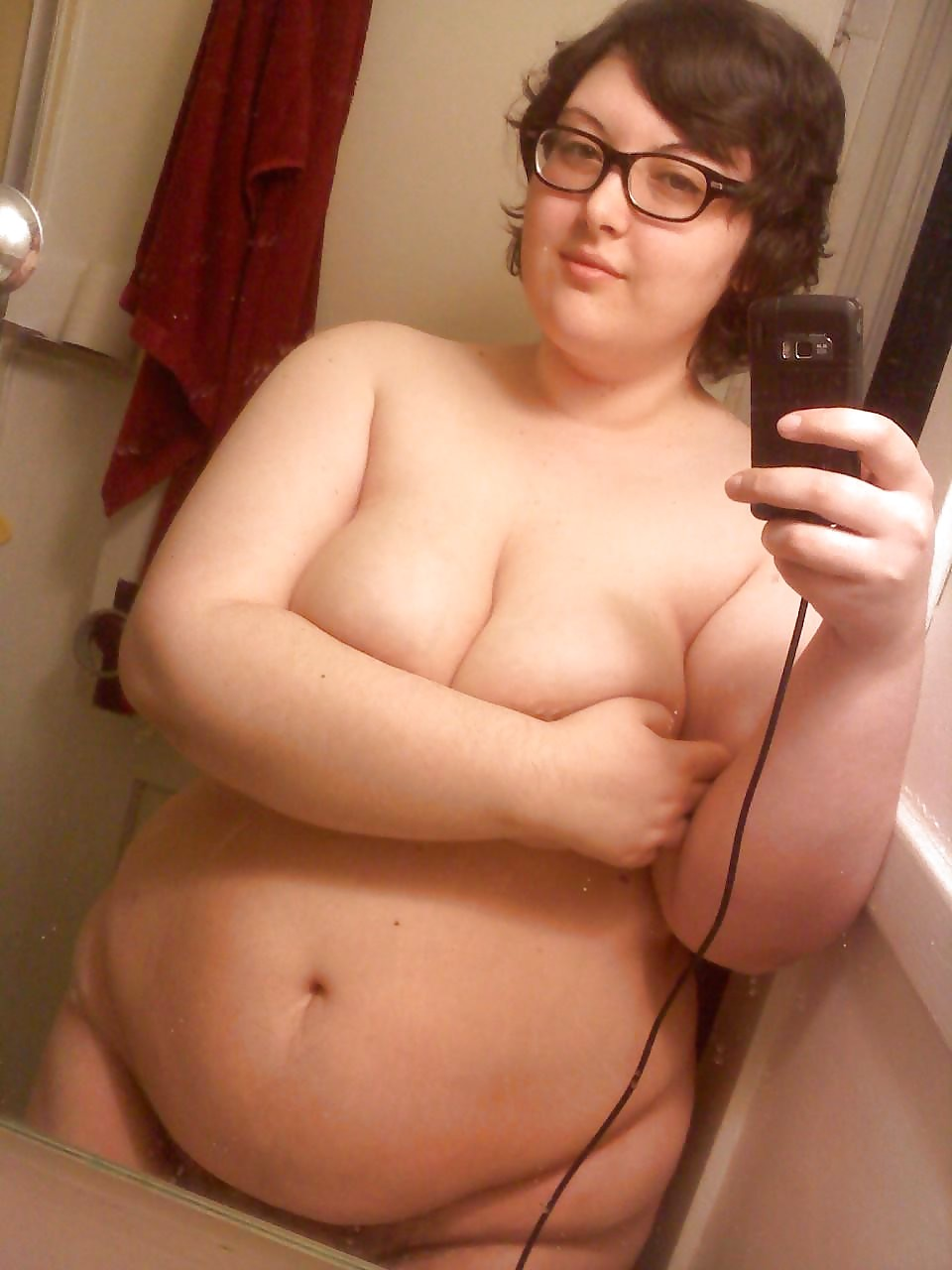 Chubby big tit cell phone self shot nudes