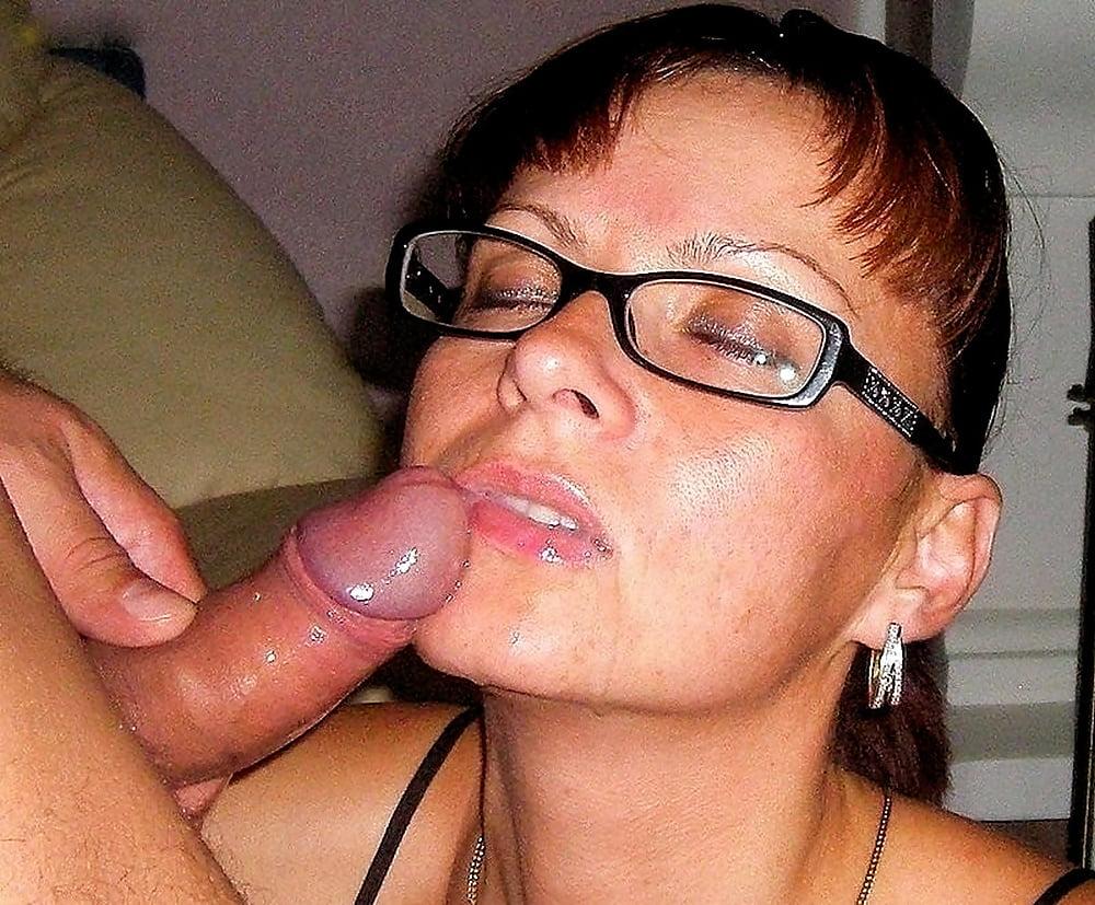 богатыря мамки в очках порно фото мог отказать, ведь