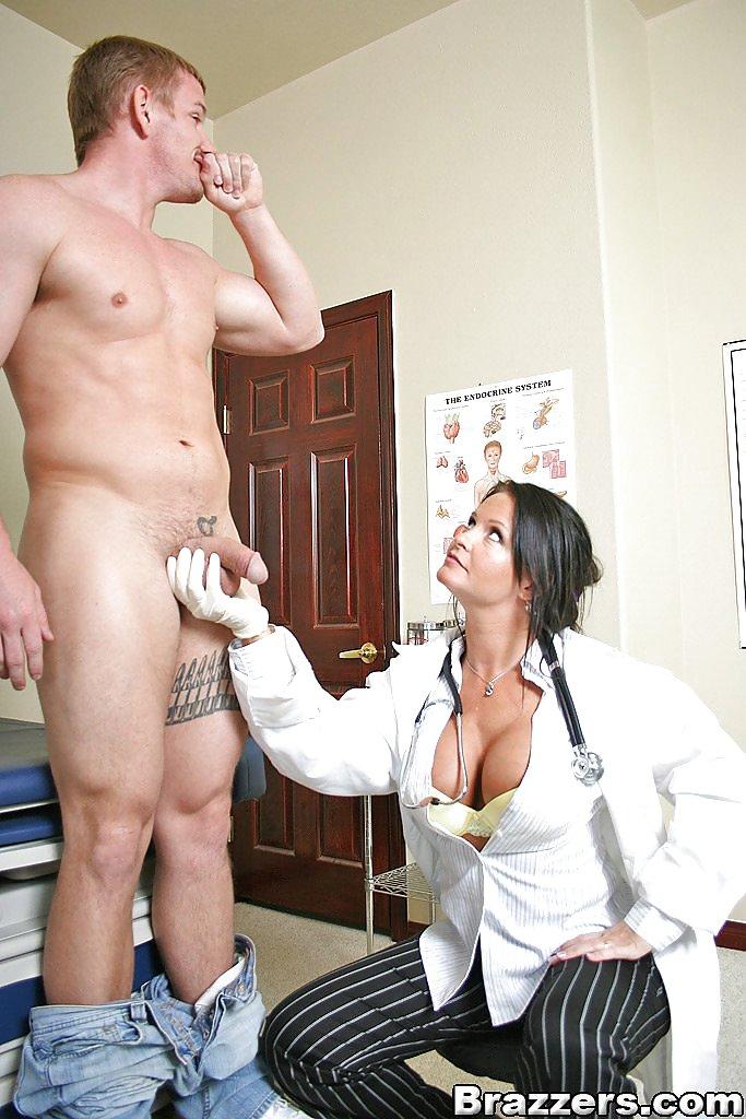 Доктор не устояла перед членом