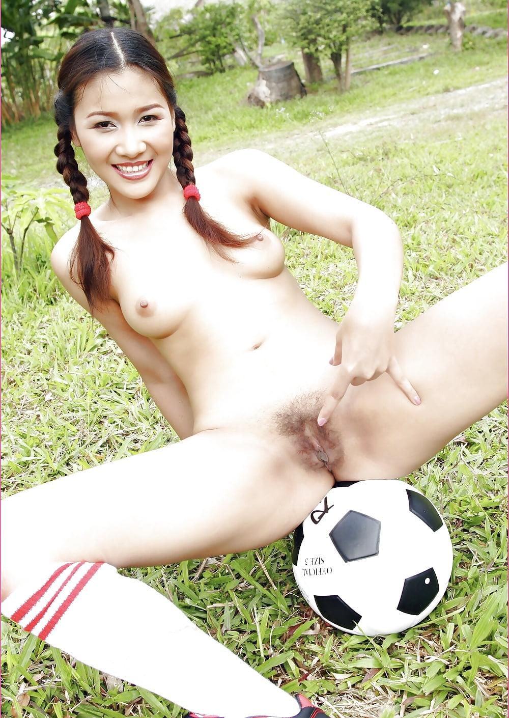 Soccer girls lick pussy — img 3