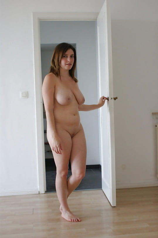 Milf open door