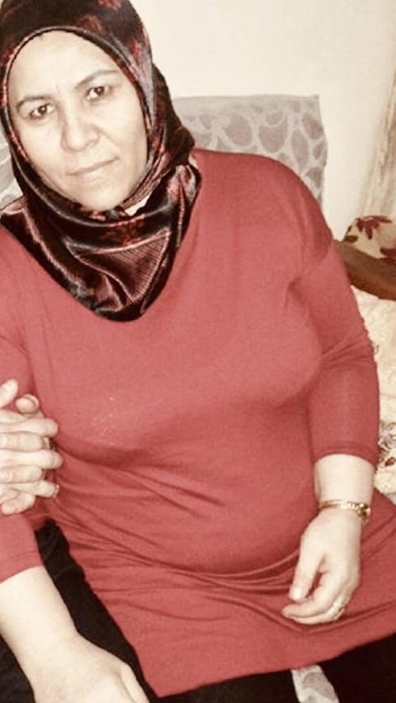 Milf hijab Arab