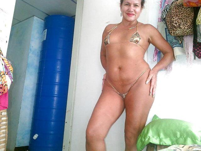 Maria guadalupe madura latina mamandose un cipote - 2 2