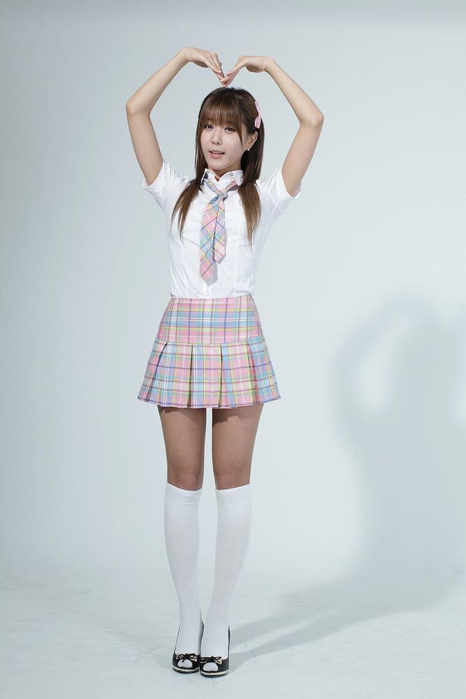 Heo Yun Mi (Korean Race Queen Part I) - 001 to 100 - 100 Pics