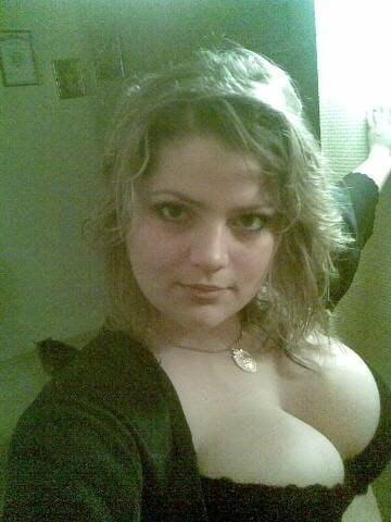 Cute busty slut sucks-8107