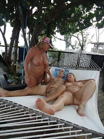 Celeb Back Naked Yard Pic