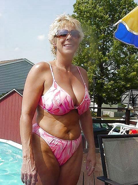 sexy amateur grannies