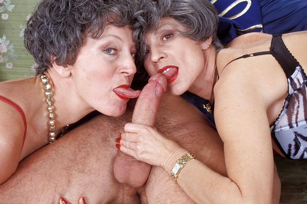 Mature old lady porn pics