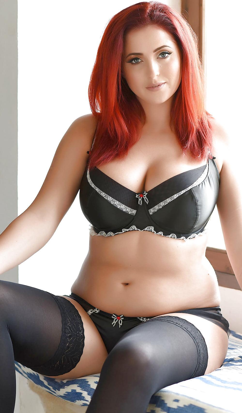 turner-porn-sexy-redhead-bbw-pussy-eating-femdom