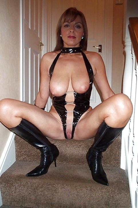 Sexy Dresses Milfs - 20 Pics  Xhamster-8831