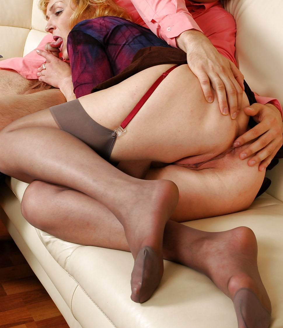 pantyhose-mature-riding-free-video