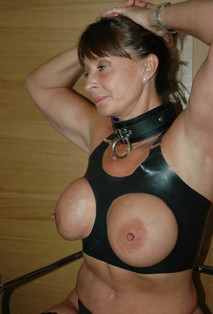 Toronto milf lusy fay in sexy black dress striptease - 3 5