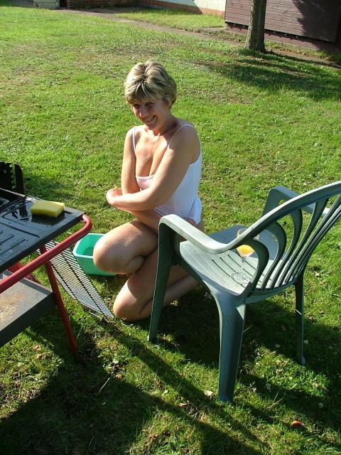 Busty tattooed blonde slut gets wet-5582