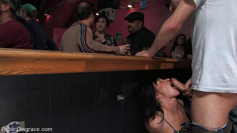 Порно онлайн порнуха на улице в кафе видео видео