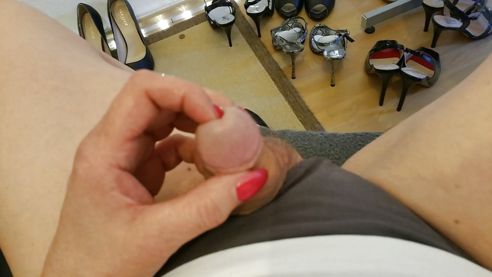 Long nail shemale