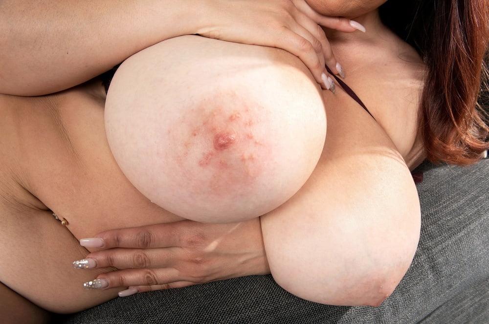 Put those big tits in my face #2